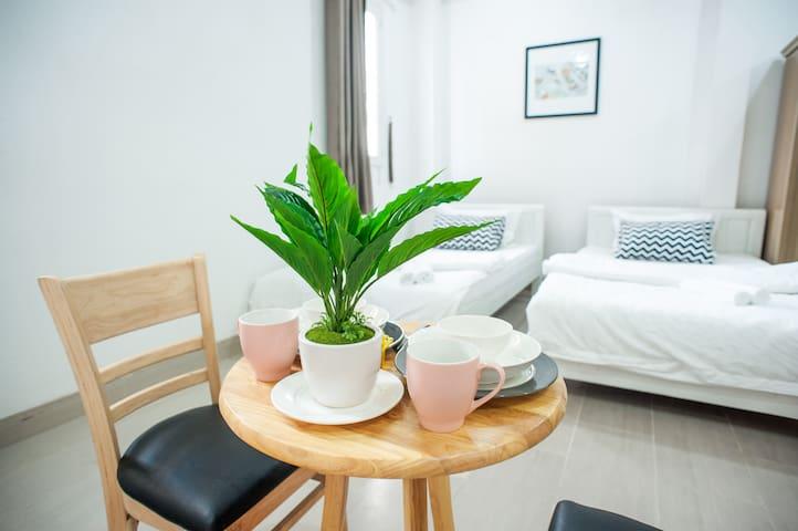 Master Suite near Saigon Notre-Dame - 4th Floor - District 1 - Leilighet