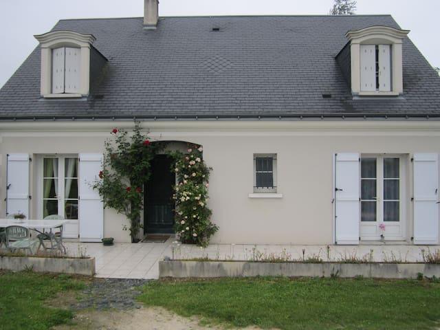 Azay sur cher : Châteaux de la Loire à proximité. - Azay-sur-Cher - House