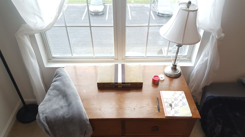 Quiet & Clean 1 bdrm with Private Full Bath