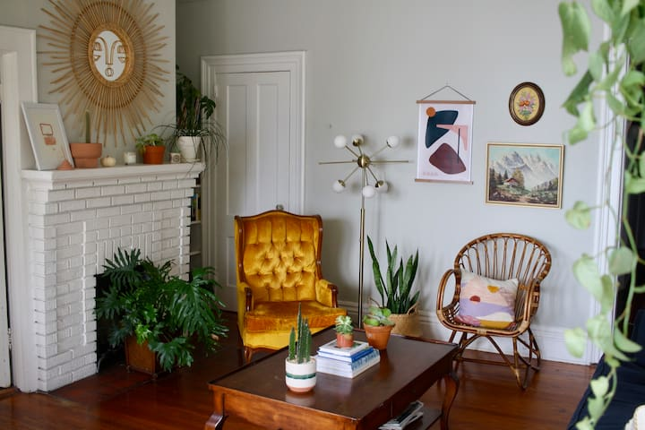 Welcome to my eclectic, vintage-filled apartment full of charm and quirks