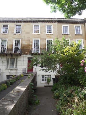 Clifton: One bedroom garden flat - Bristol - Apartemen