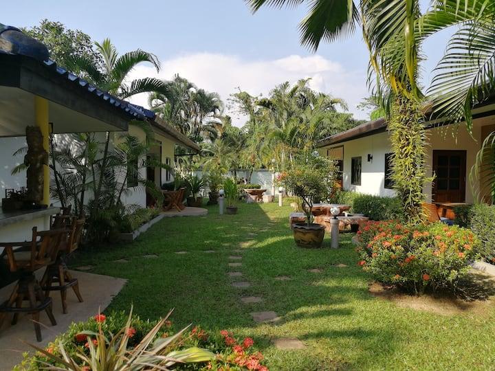 Phuket Lotuslodge Resort - Deutsche Leitung - 16+
