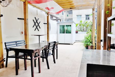 Charming Spacious Garden Apartment - Quarry Bay - Wohnung