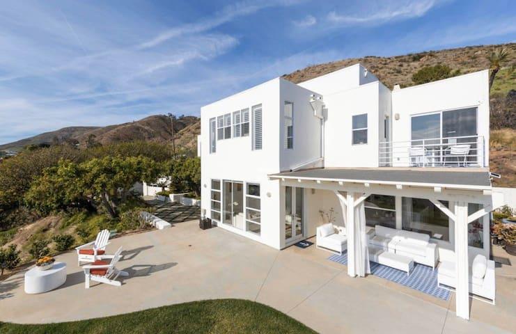 The Pacific Sunset Villa