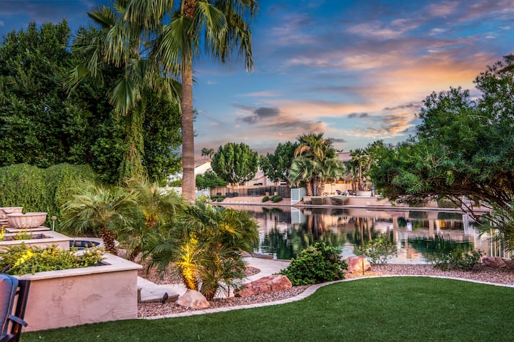 Gilbert Islands Lake Front Estate-Heated Pool/Spa
