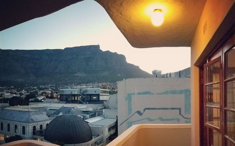 ART DECO STUDIO | Table Mountain Views