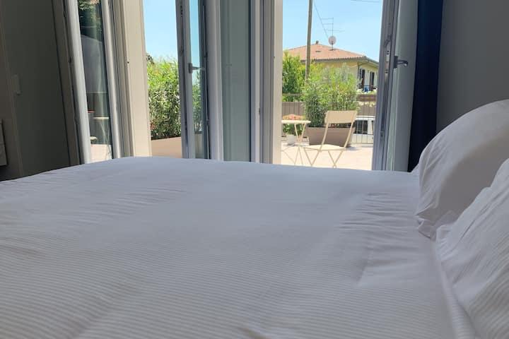 Camera con terrazza,Colà di Lazise, Lago di Garda