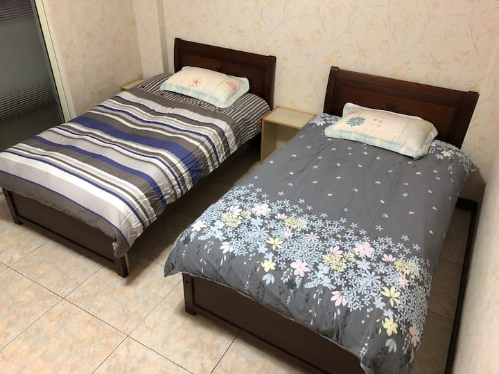 Near Taoyuan Station (Room#5A)
