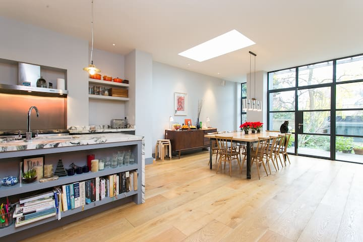 Up to 20% off! 5 bed house in Shepherd's Bush - 倫敦 - 獨棟