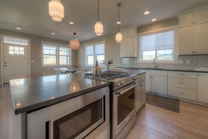 Large Kitchen Island with Gas Stove/Oven and Microwave
