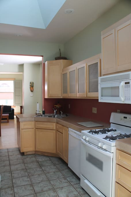 Kitchen, Suite 8