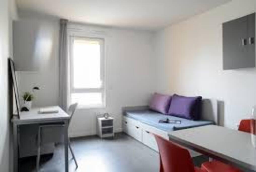 Studio lumineux aux portes de bordeaux apartments for - Chambre universitaire bordeaux ...