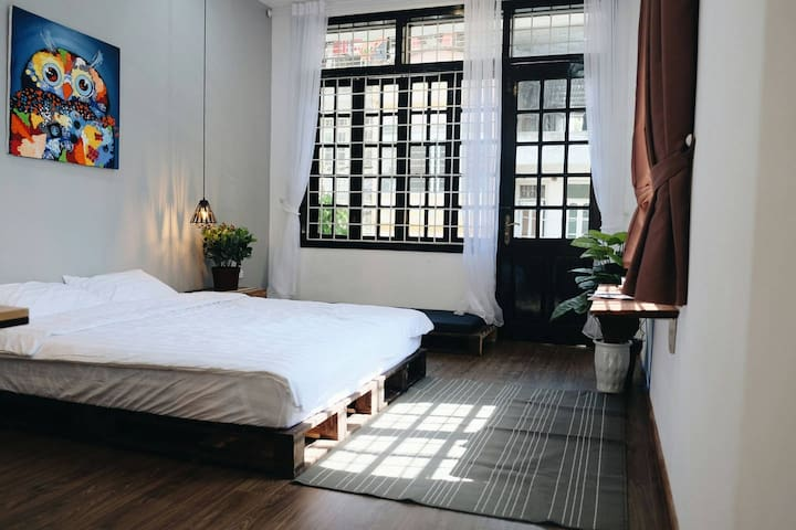 Cozy bedroom with balcony in centre Ha Noi 3f