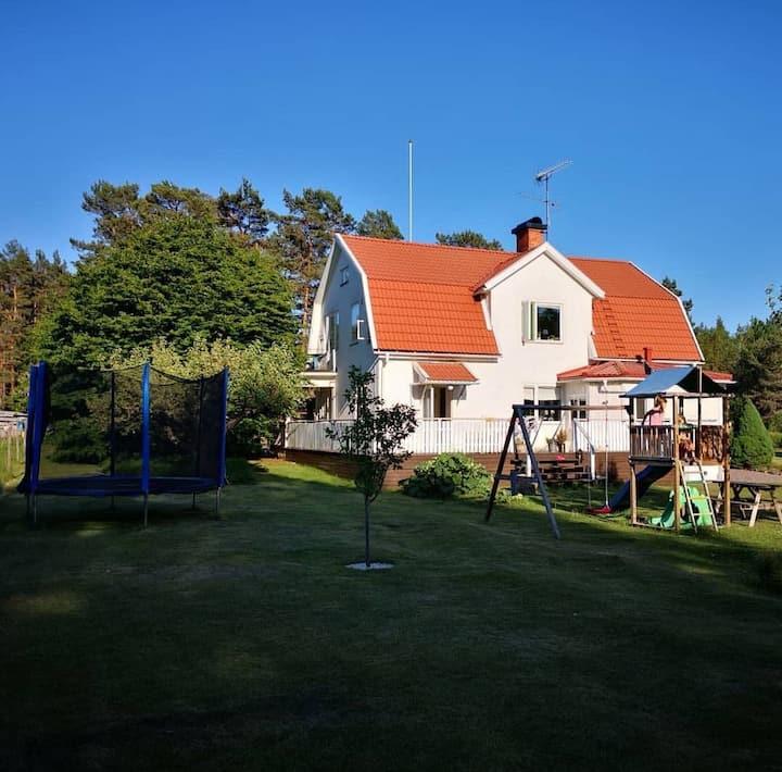 Stor villa ca 20 min från Astrid Lindgrens Värld