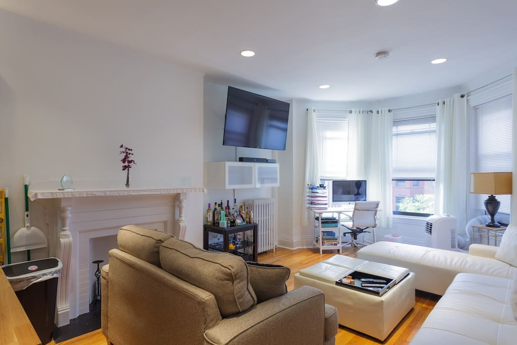 bright living area overlooking Newbury St.