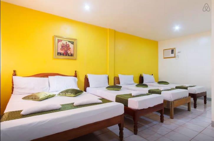 Garden rooms near airport & restos