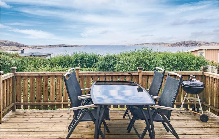 Holiday cottage with 6 bedrooms on 111m² in LYSEKIL