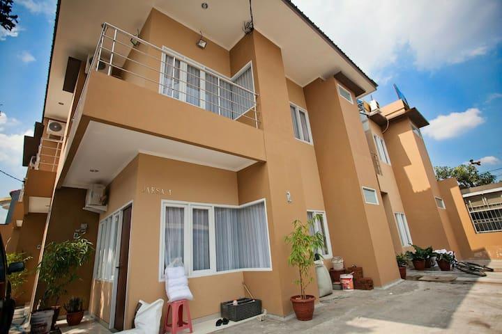 JAKSA GUEST HOUSE BANDUNG (room4b) - Regol - House