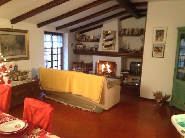 Splendido Trilocale due camera da letto e camino