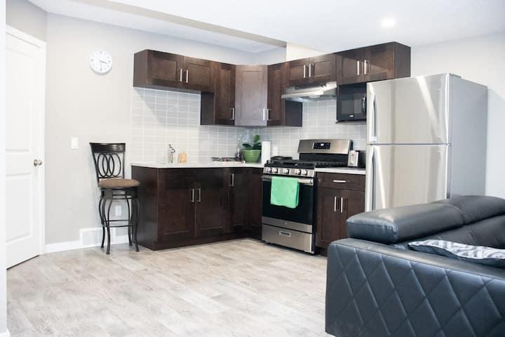 Stylish,Serene2bedroom home in D' heart of Calgary