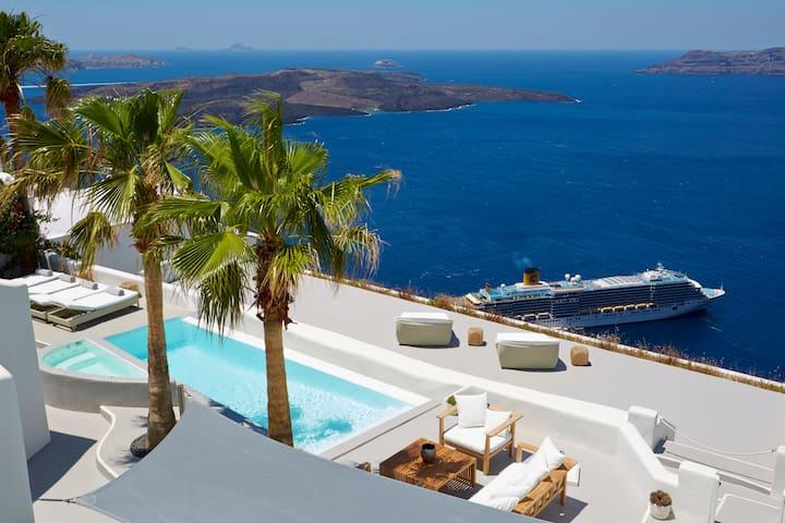 Villa Aura, luxurious, volcano view,pool,jacuzzi