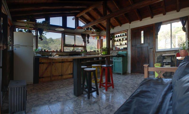 Cabaña moderna  campo privado ideal para descanso