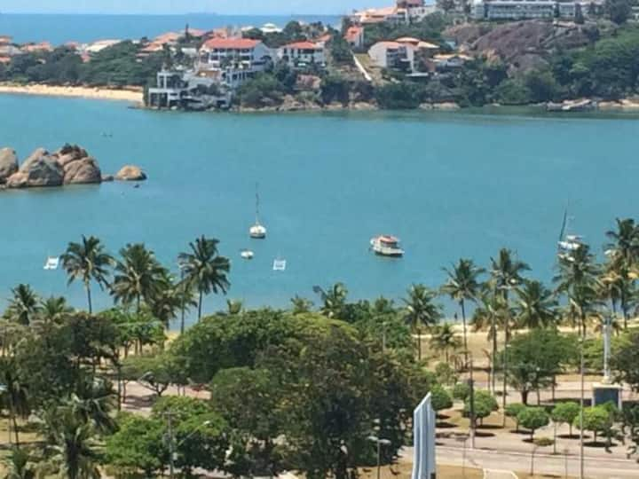 Apartamento na Praia do Canto com vista para o mar