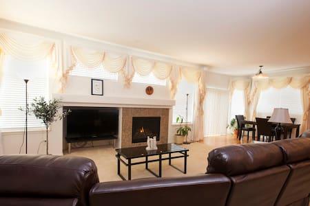 Southwest Denver Luxury Home - Littleton - Hus