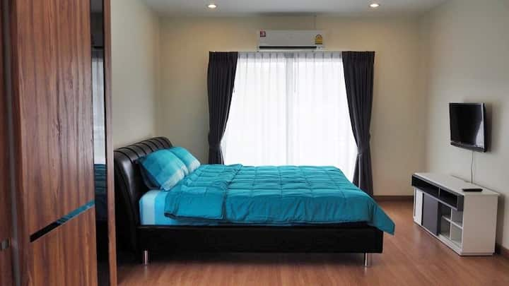 2 or 3 Bedrooms House with Fully Furnished