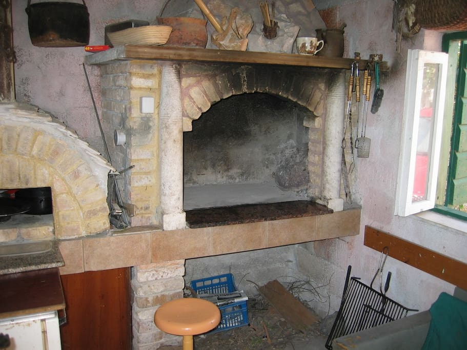 fireplace (house and surroundings)