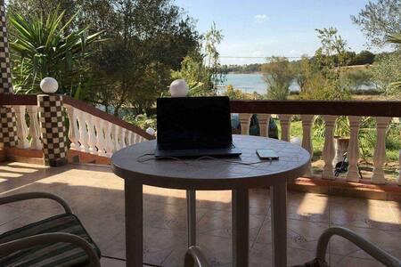 Magnifique villa au légendaire lac Dait Erroumi - Khémisset