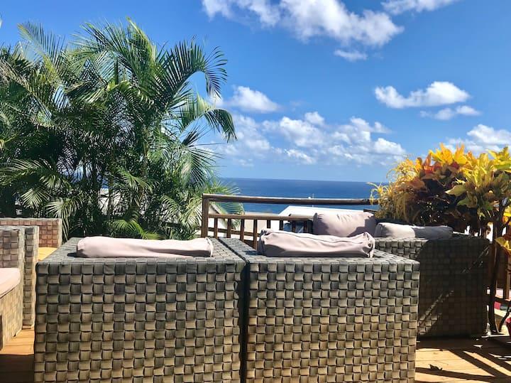 chambre privée dans villa vue mer avec piscine