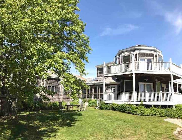 Cozy Island apartment close to Newport