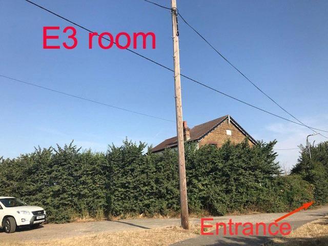 Green farm house Refurbished + Free Parking  E3
