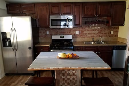 Cozy Duplex. All To Yourself. Sleeps 10. - Long Beach - Hus