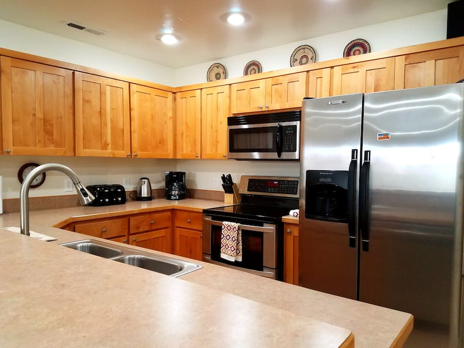 Fully stocked kitchen for you and your guests. Service for 16 people.