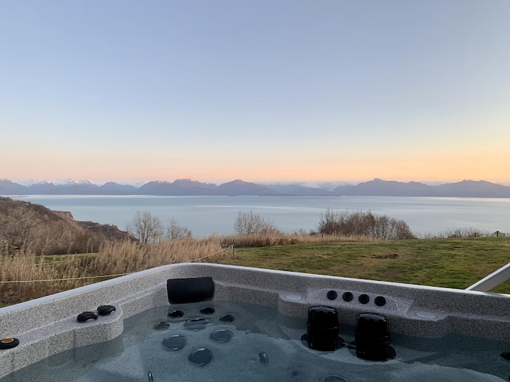 Birch (1 bedroom, 1 bath) · Amazing Home, Private Hot Tub, Incredible View!