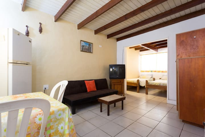 Studio C that sleeps up to 3 persons - Oranjestad - Appartement
