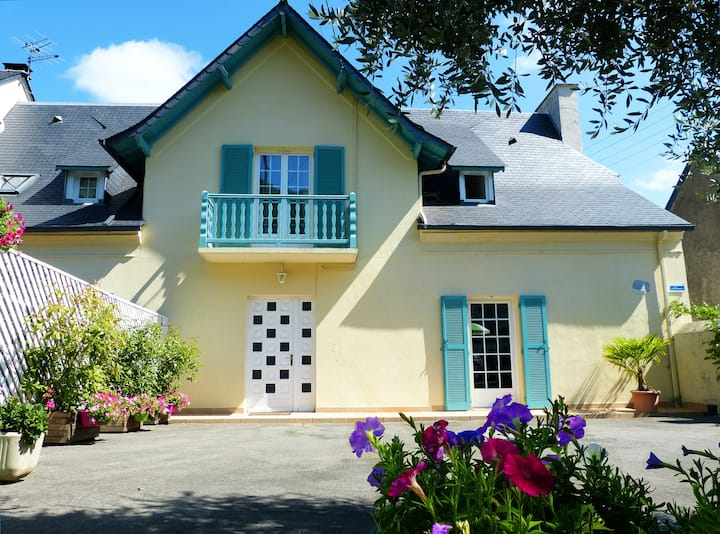 House with 2 bedrooms in Lourdes, with wonderful mountain view, furnished terrace and WiFi - 15 km from the slopes