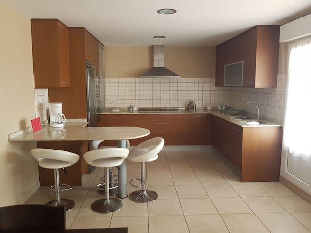 Precioso apartamento en zona tranquila y iluminado