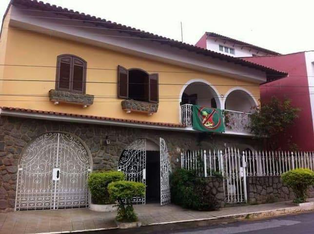 Casa grande e com boa localização - São Caetano - Casa