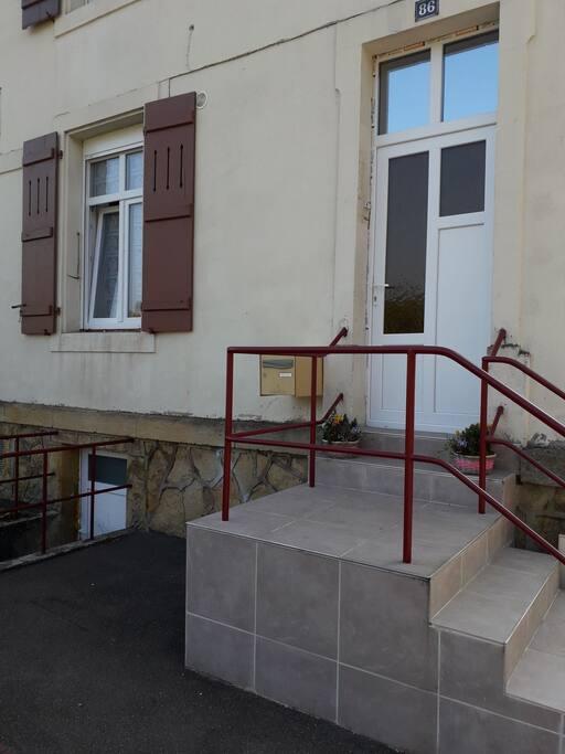studio meubl proche de luxembourg cattenom deptos en complejo residencial en alquiler en. Black Bedroom Furniture Sets. Home Design Ideas