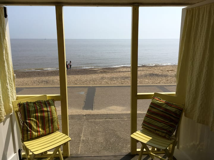 Get 2 for 1; A Beach hut and spacious duplex flat!