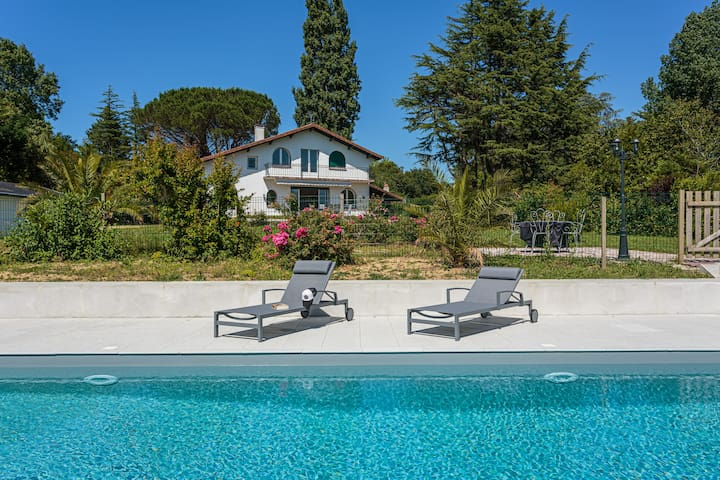 Chistera - Rent a house with heated swimming pool and garden in Urrugne