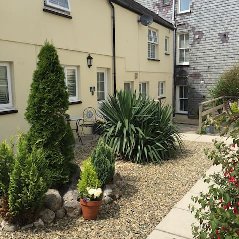 Mill Cottage 150 yds from Pembroke Castle.