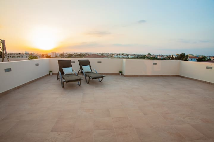 ♛ Sunset apartment with view ♛