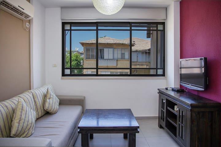 Apartment in Bat Yam (Maria-2)