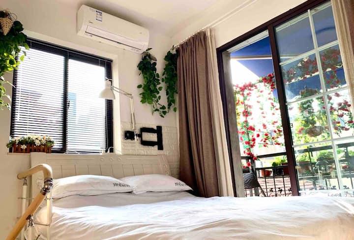 Xuhui Qu老上海安福路文艺气息民国时期租界区联体别墅温馨舒适Loft老洋房套房