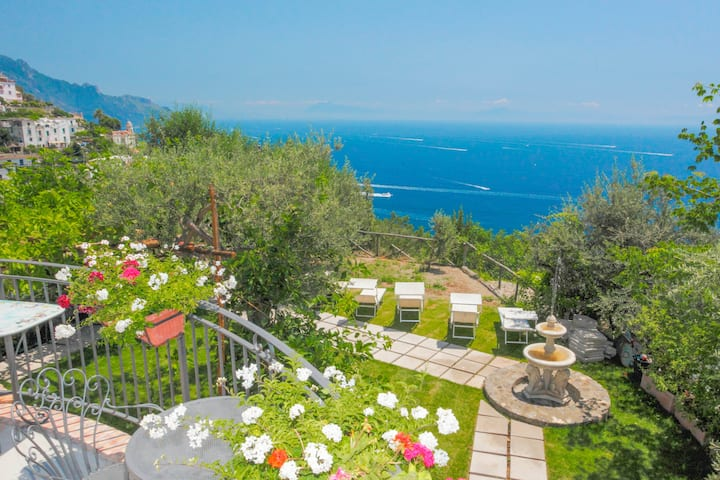 Amalfi: Luxury Huge Sea View Villa up to 18 guests