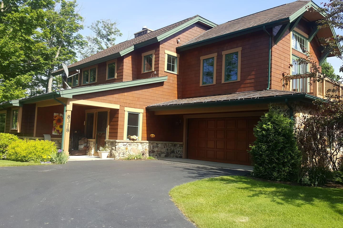 Front of Peek'n Peak Clubhome. Parking available for 2 cars.
